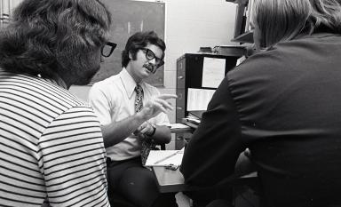 Hurwitz talks with students