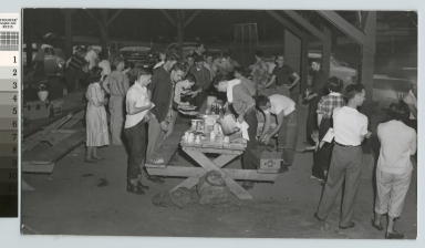 Students at a picnic, Rochester Institute of Technology