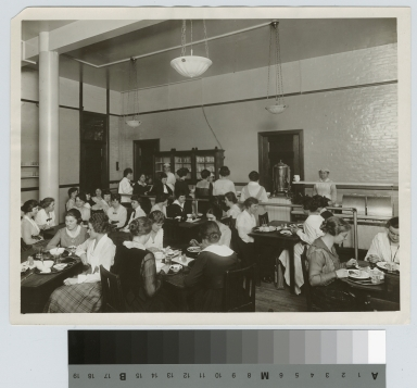 Students in cafeteria, Eastman building, Rochester Athenaeum and Mechanics Institute [1920-1929]