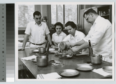 Academics, Food Administration Department, cooking class [1945-1950]