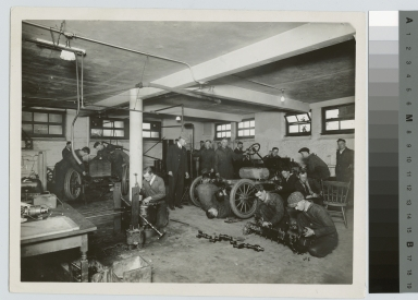Machine shop, School of Industrial Arts, Rochester Athenaeum and Mechanics Institute [1920-1930]