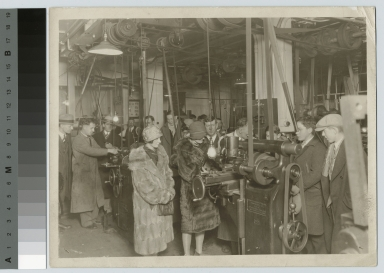 Students and visitors, machine shop, School of Industrial Arts, Rochester Athenaeum and Mechanics Institute [1920-1935]