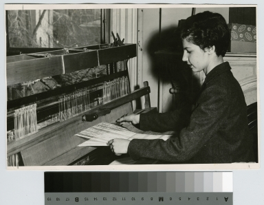 Student in weaving class, School for American Craftsmen, Rochester Institute of Technology