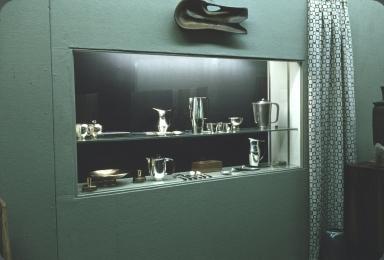 Exhibition of metallic dishware