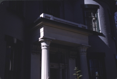 Close-up of front door balcony of Hastings House