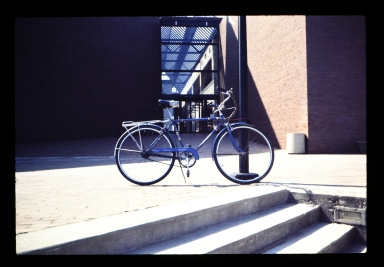 Bicycle in front of Student Alumni Union