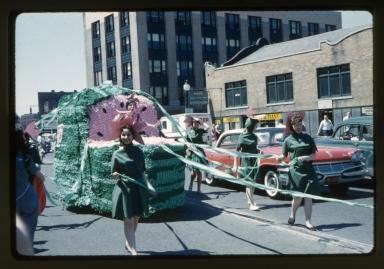 Spring Weekend parade