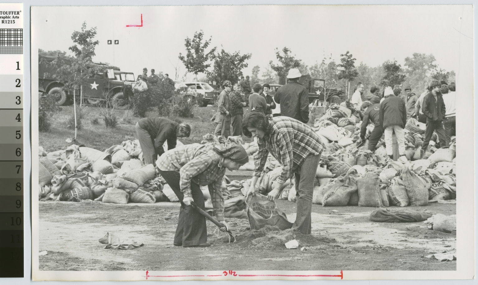 Students filling sandbags, Rochester Institute of Technology