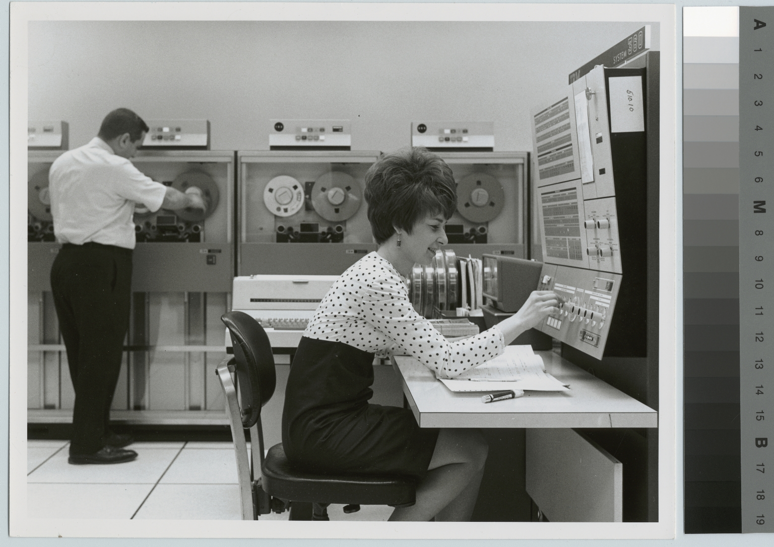 Unidentified students operate data processing equipment, School of Business Administration, Rochester Institute of Technology