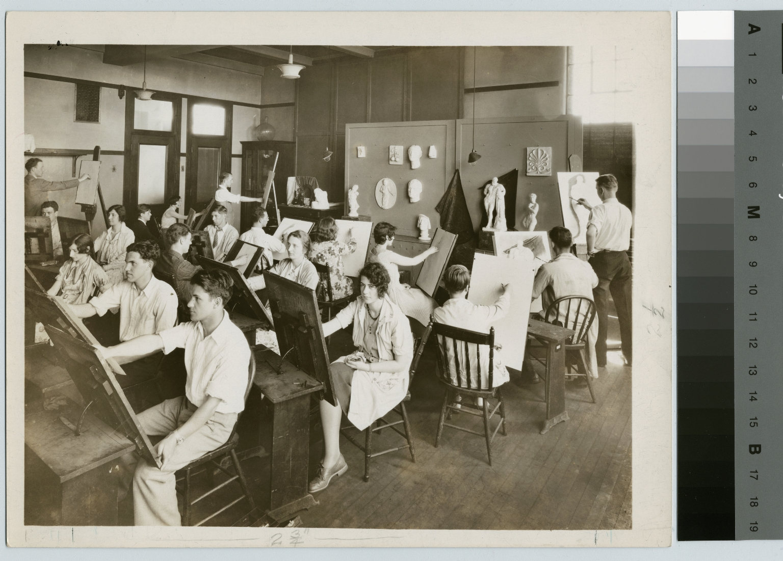 Modeling students, Department of Applied and Fine Arts, Rochester Athenaeum and Mechanics Institute