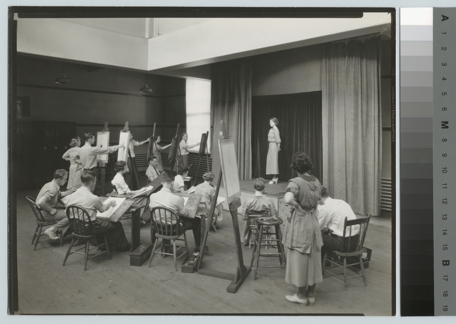 Academics, art and design, Rochester Athenaeum and Mechanics Institute life drawing class, [1930-1940]