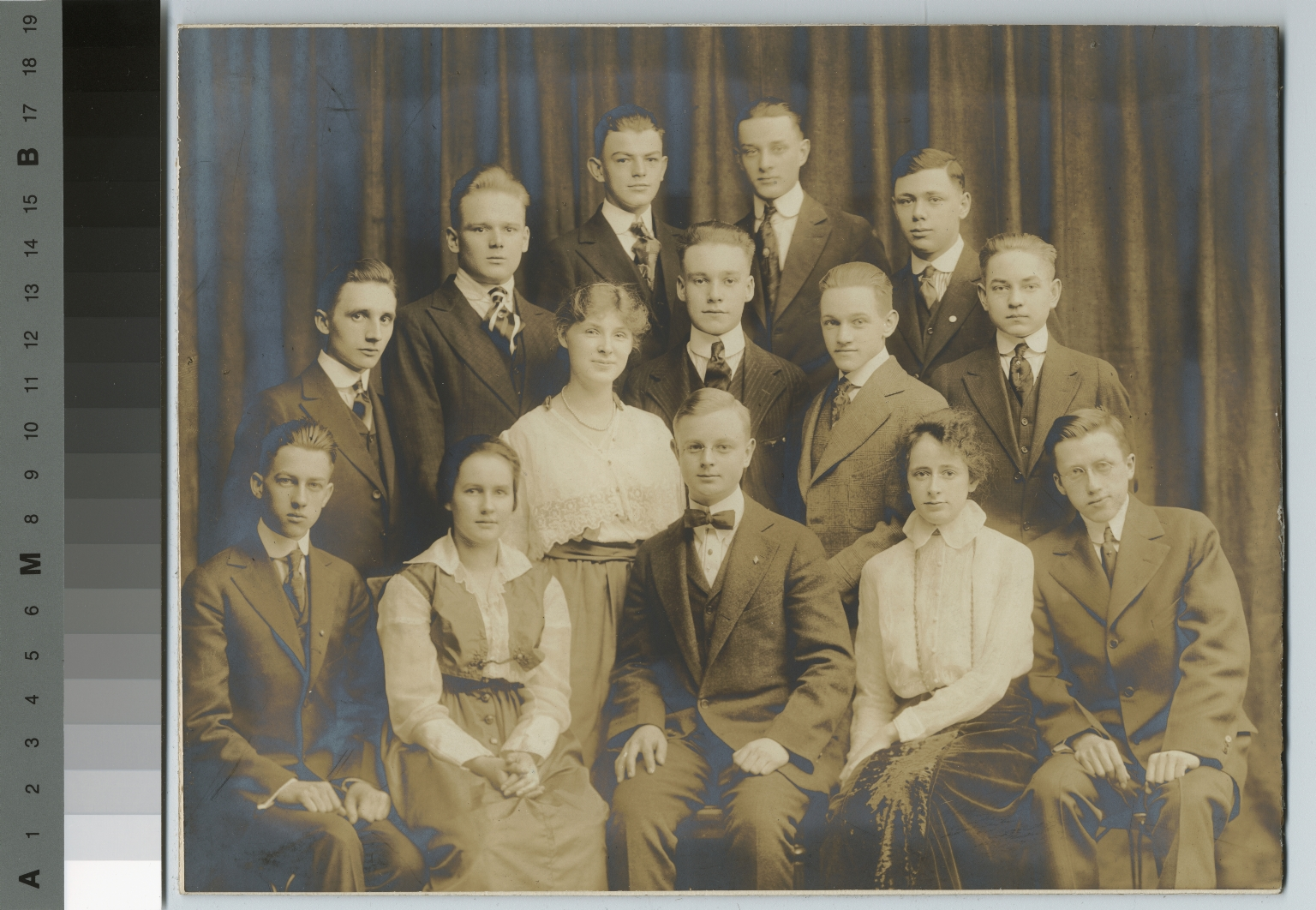 Academics, class photo, group portrait of Rochester Athenaeum and Mechanics Institute students, [1915-1920]