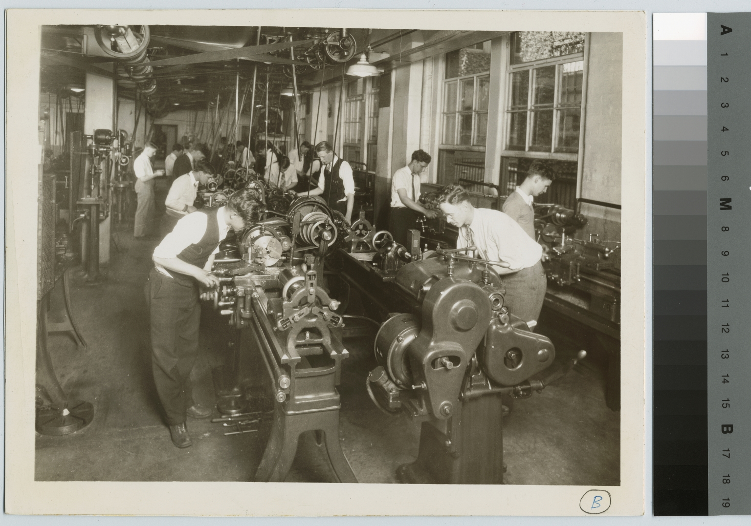 Unidentified students in machine shop, School of Industrial Arts, Rochester Athenaeum and Mechanics Institute [1920-1930]