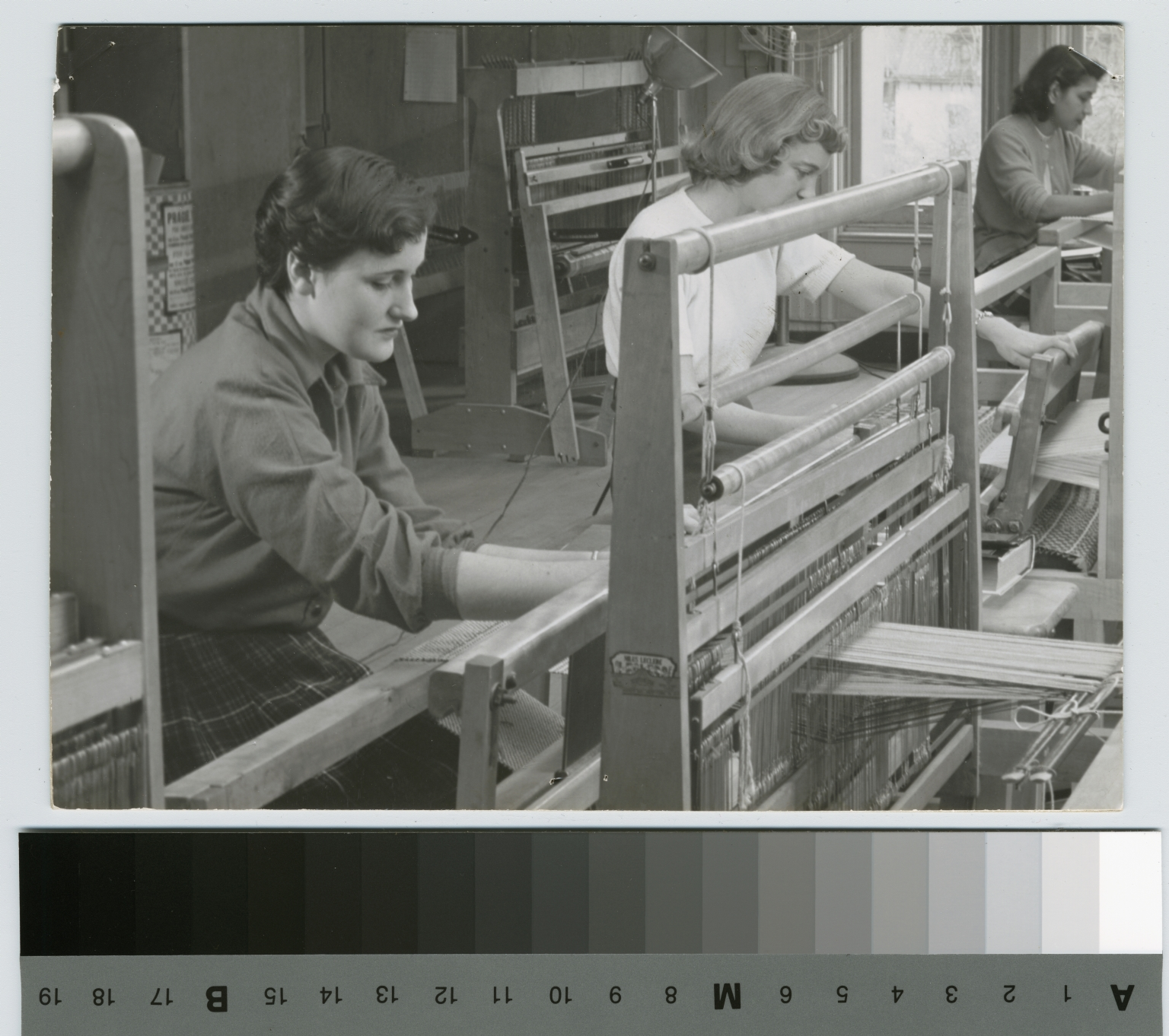 Students weaving, School for American Craftsmen, Rochester Institute of Technology