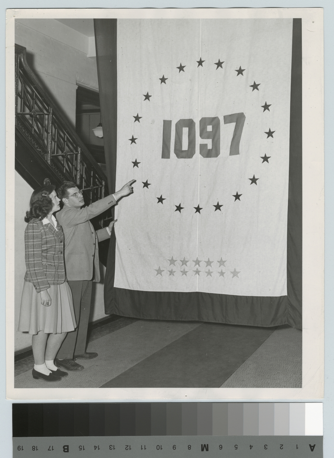 Students with service star flag, Eastman Building, Rochester Athenaeum and Mechanics Institute