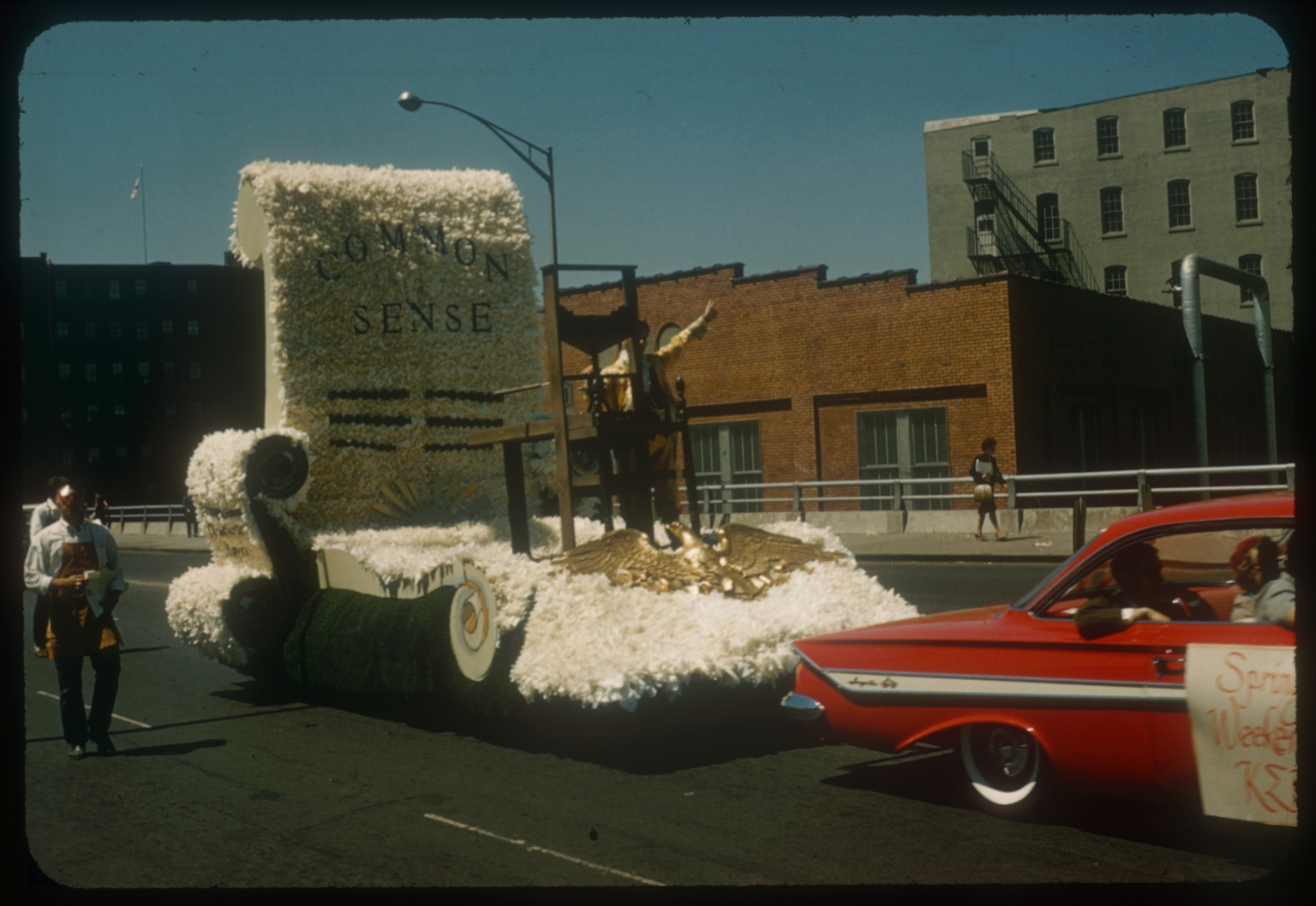 """Rochester Institute of Technology's 1962 spring weekend parade float """"Common Sense."""""""