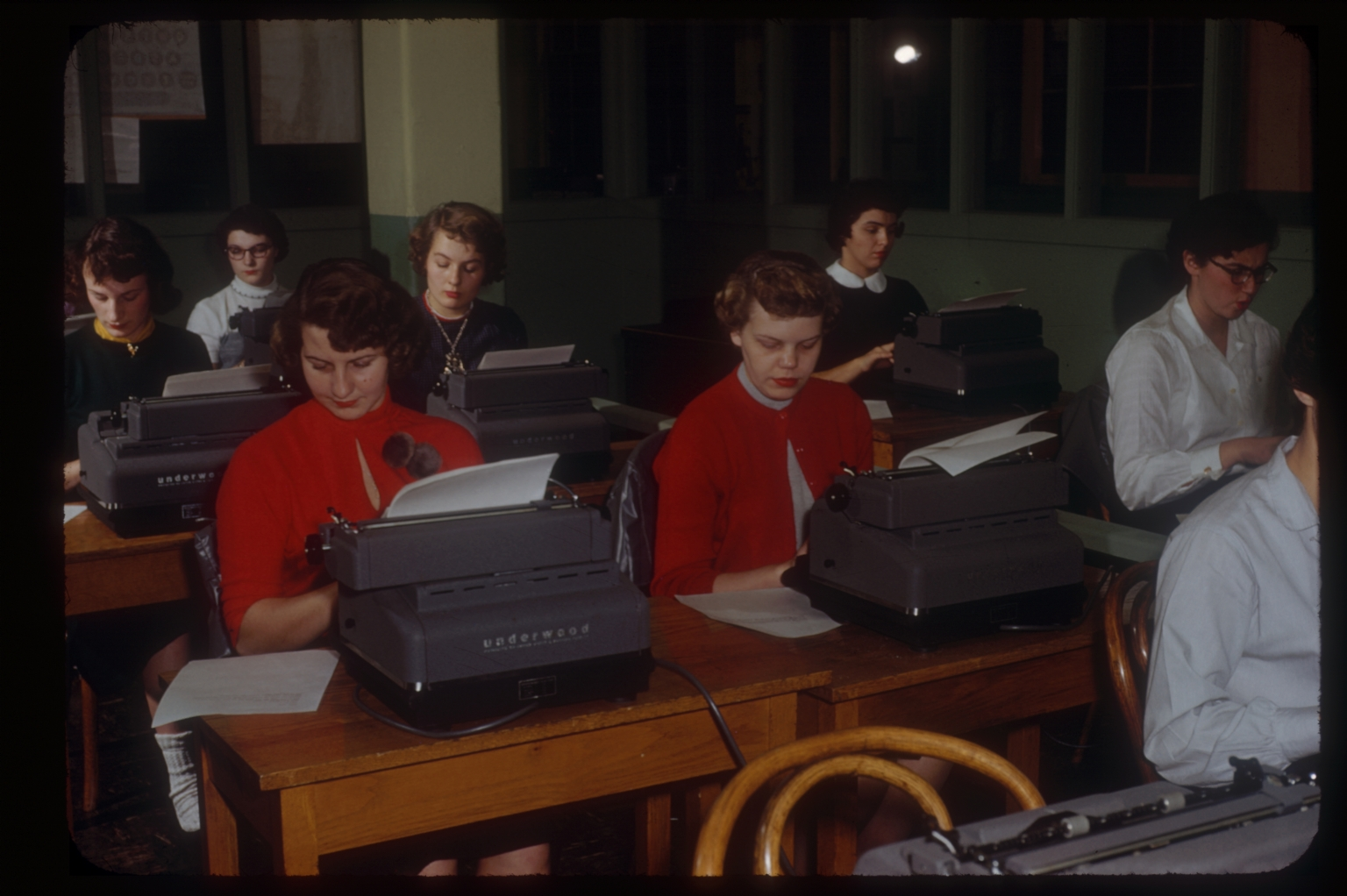Business students at typewriters, Rochester Institute of Technology