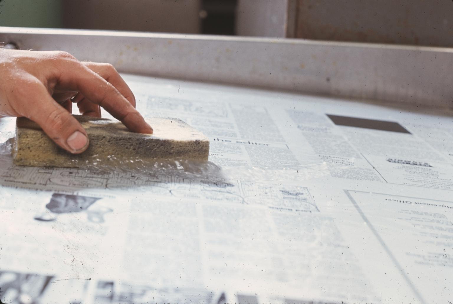 Washing Newsprint Plate