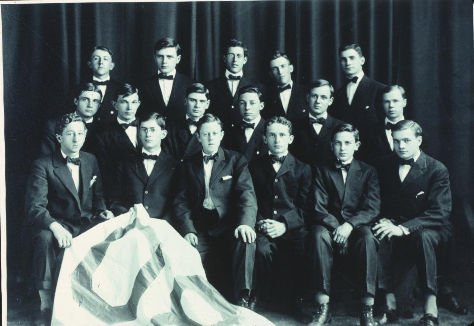 Mechanical Department Graduating Class, 1908