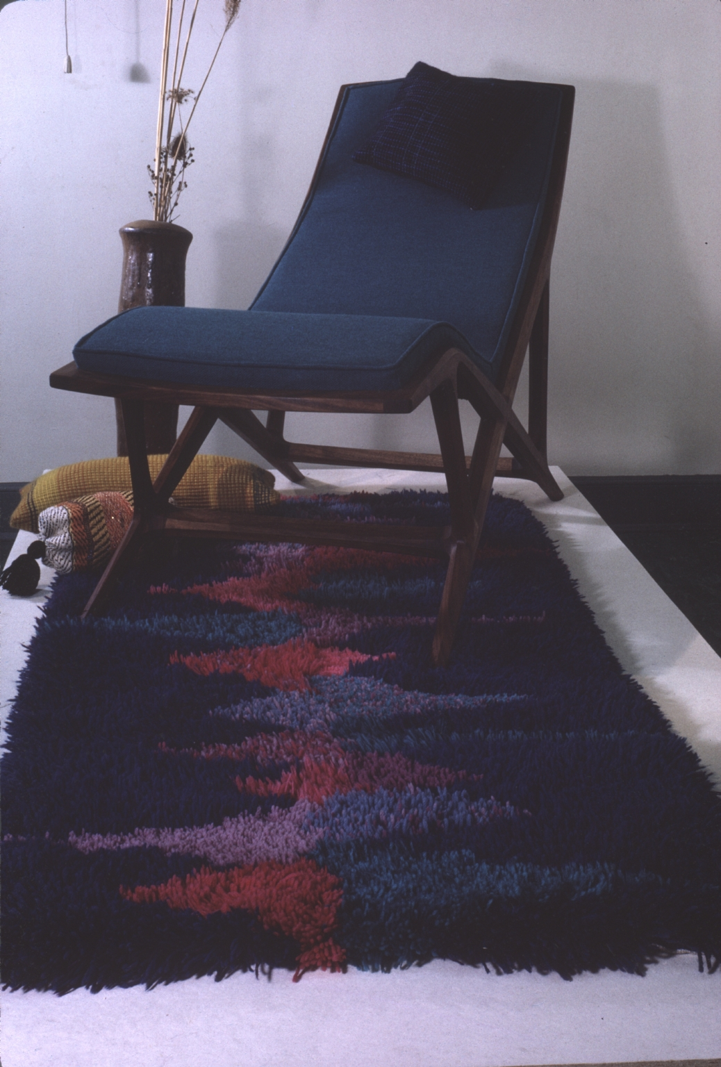 Mid-Century Chaise Lounge