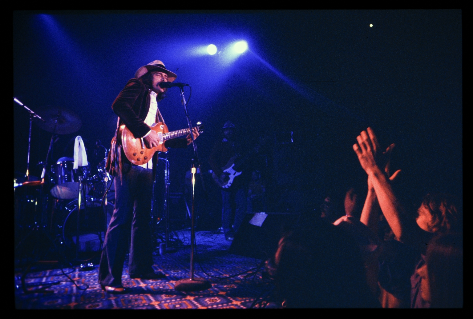 Dickey Betts performs